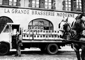 8- Camion de livraison (1940.60) réduite